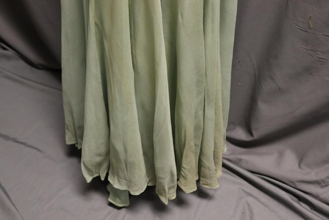 1930's Black Lace & Green Chiffon Gown - 7