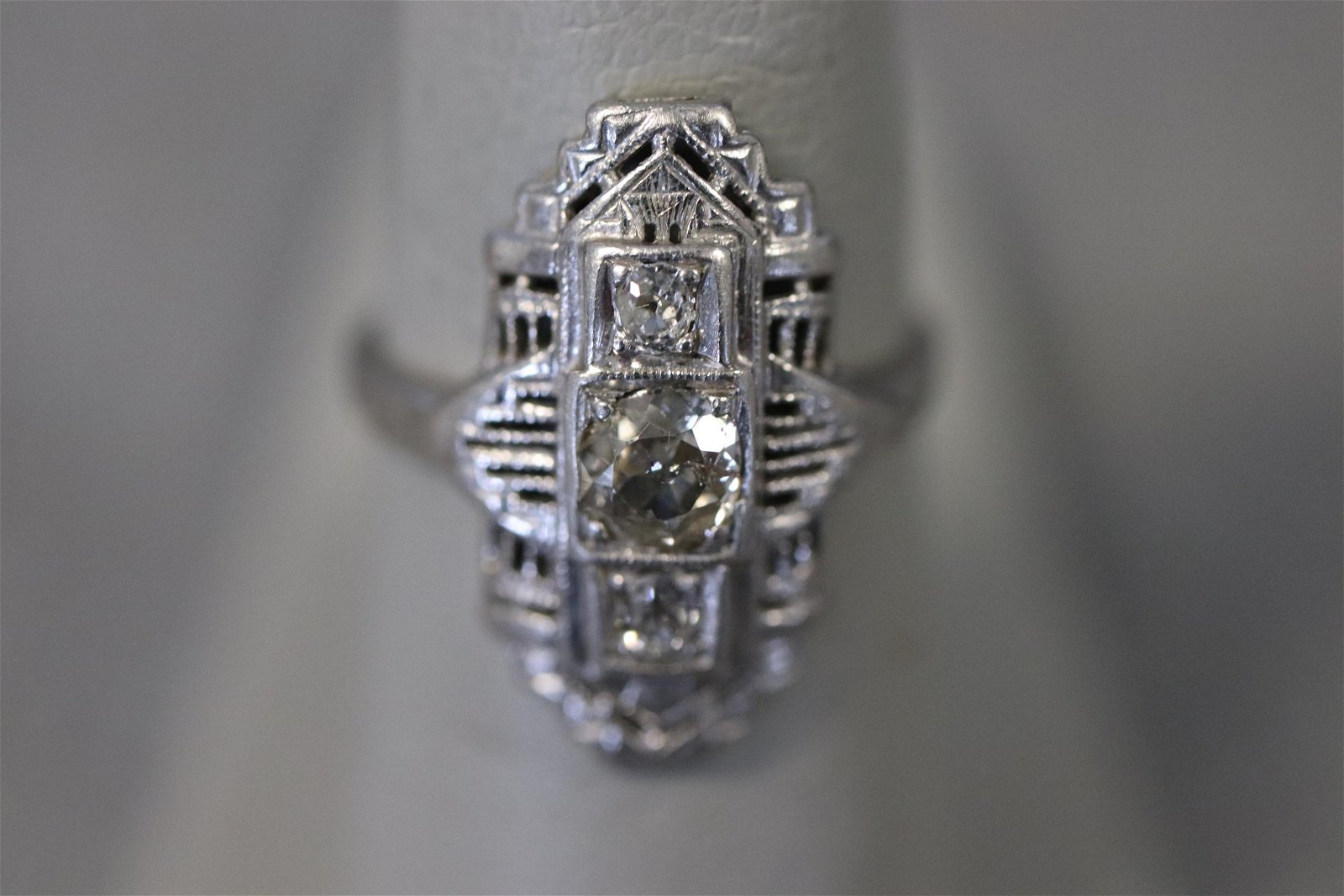 Antique Diamond & Platinum Ring