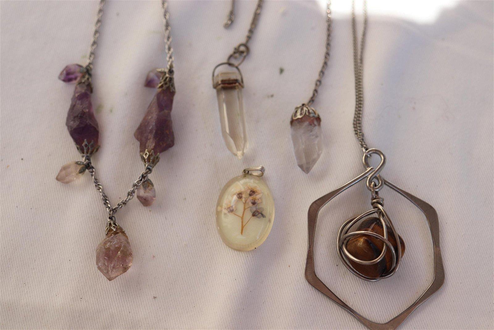 Lot of 4 Vintage Polished Stone, Crystal, Tiger Eye
