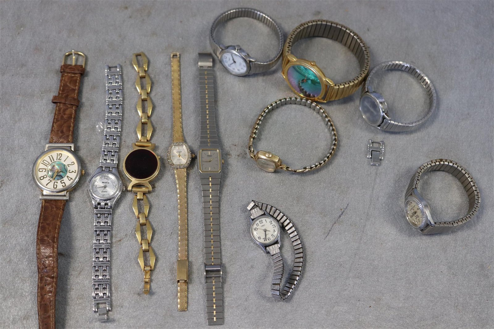 Large Lot Wristwatches,