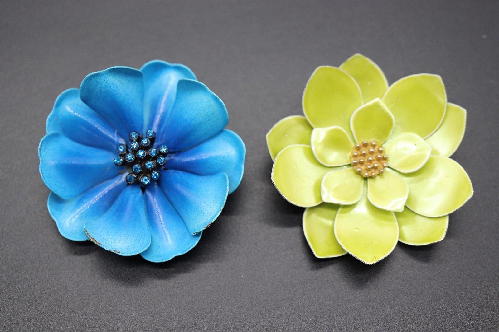 Lot of 2 Vintage 3-D Enamel Flower Brooches
