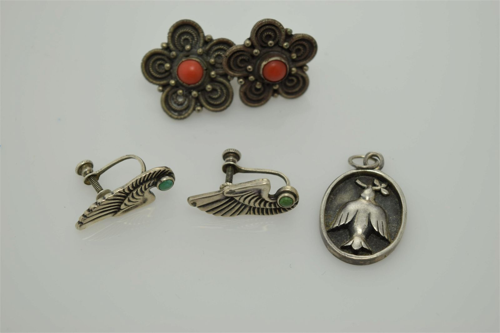 A lot of three vintage Navajo sterling silver pieces of