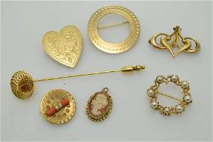 A lot of seven vintage, miscellaneous pieces of