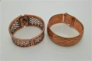 A lot of two vintage, copper bracelets.