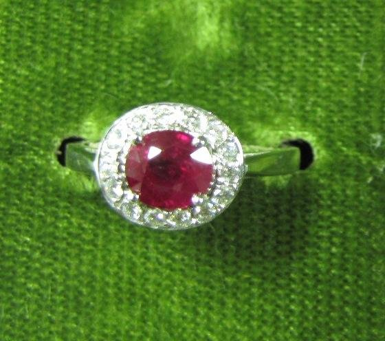 6A: 18K Gold Ruby and Diamond Ring