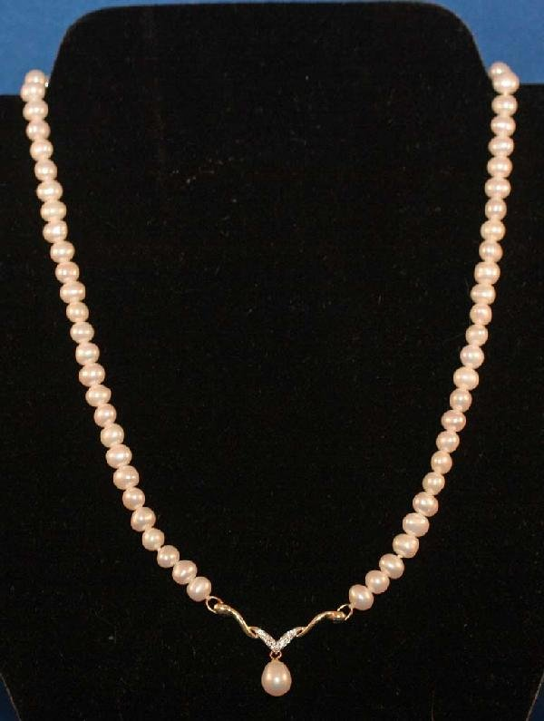 7: Pearl Necklace with Teardorp
