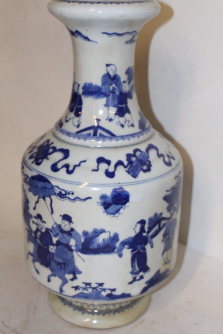 Large Antique Chinese Blue and White Porcelain Vase - 2