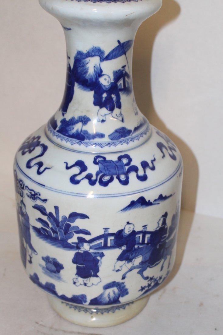 Large Antique Chinese Blue and White Porcelain Vase - 5