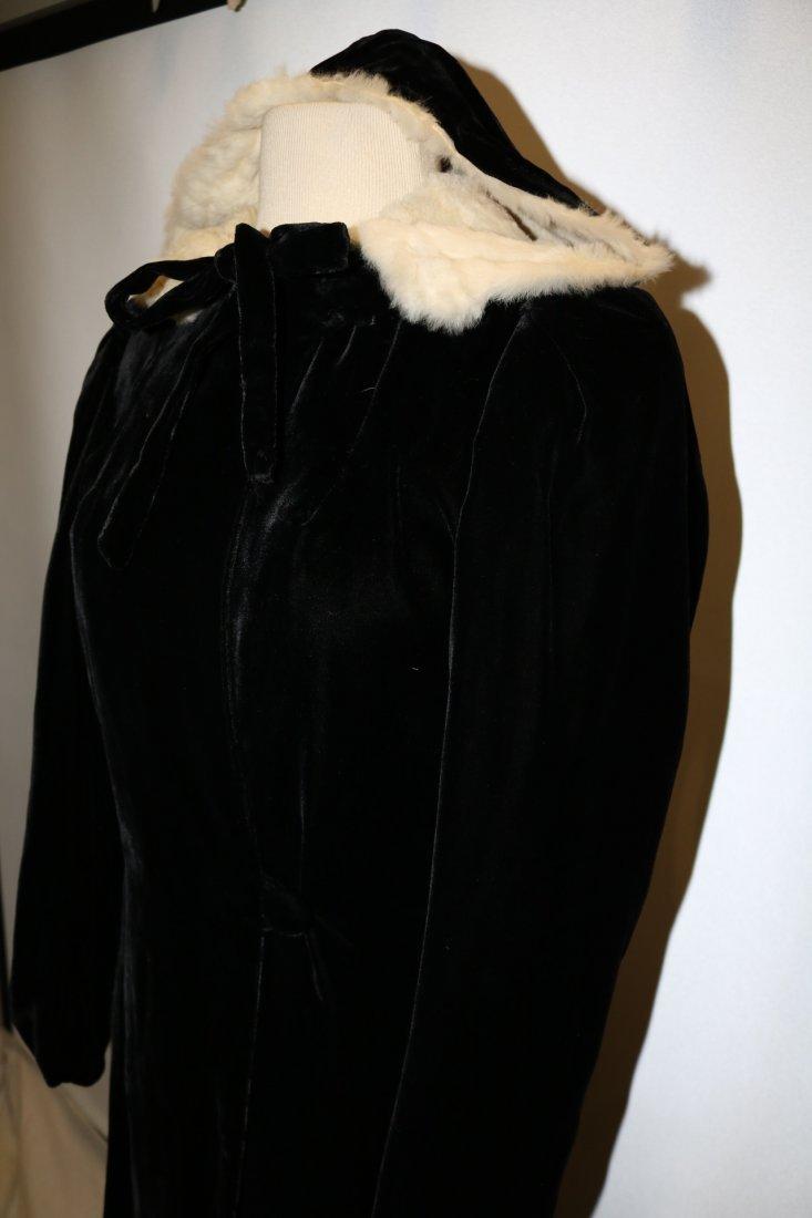 Ladies Vintage Black Velvet Full Length Opera Coat with - 3