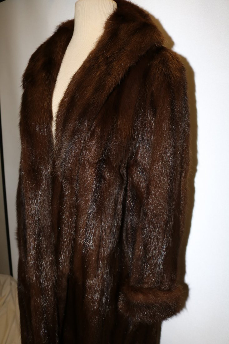 Ladies Vintage Full Length Brown Mink Coat - 3