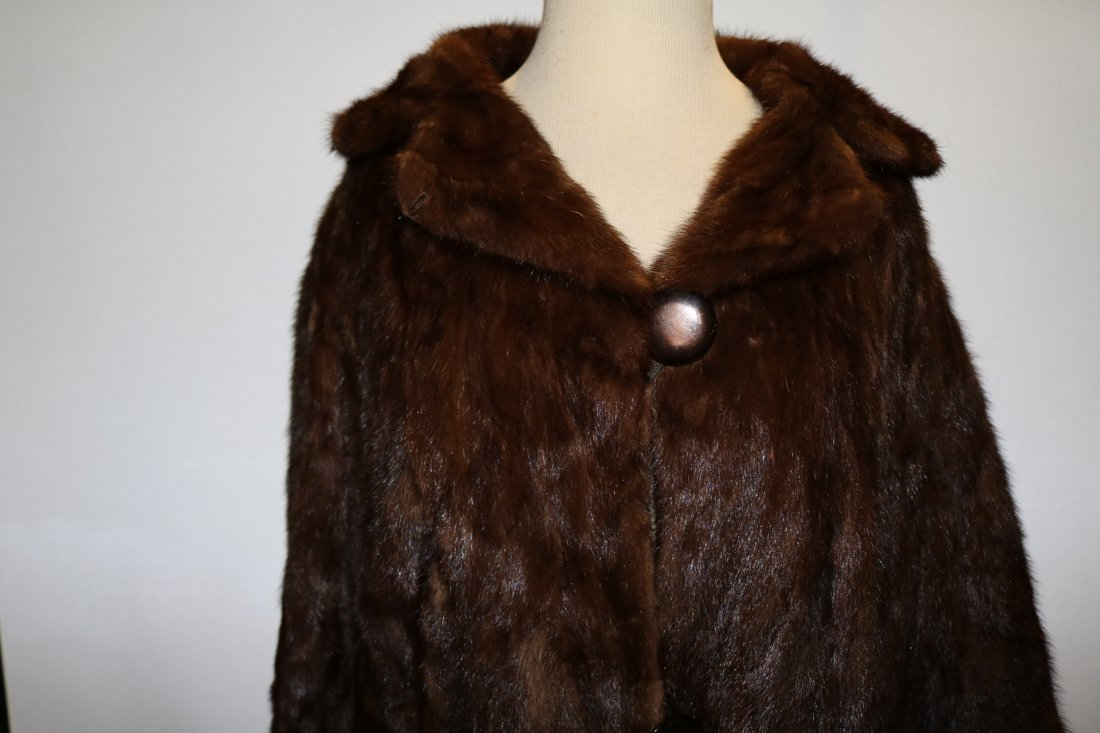 Dark Brown 1950's Ladies Vintage Mink Coat - 3