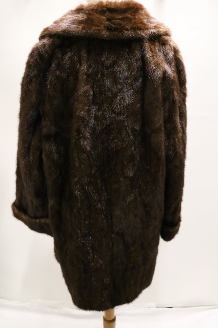 Dark Brown 1950's Ladies Vintage Mink Coat - 5