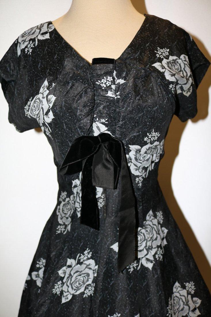 1950's Sweat Heart Bodice Princess Circle Dress in - 2