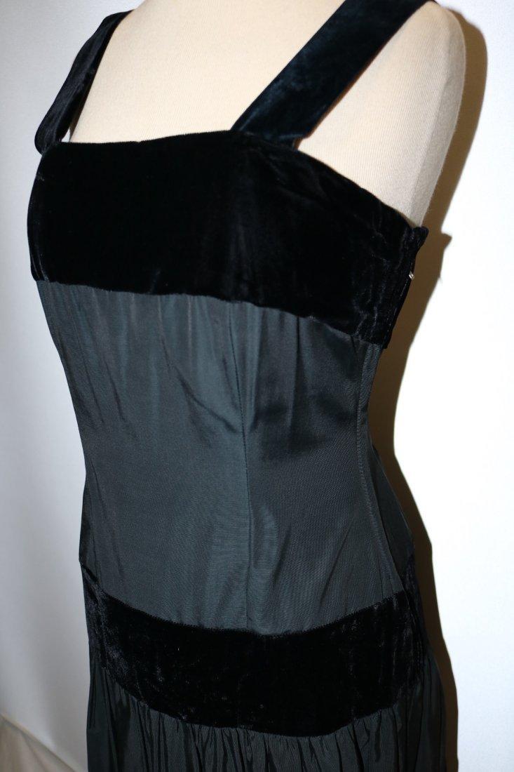1940/50's Black Velvet & Taffata Gown - 3
