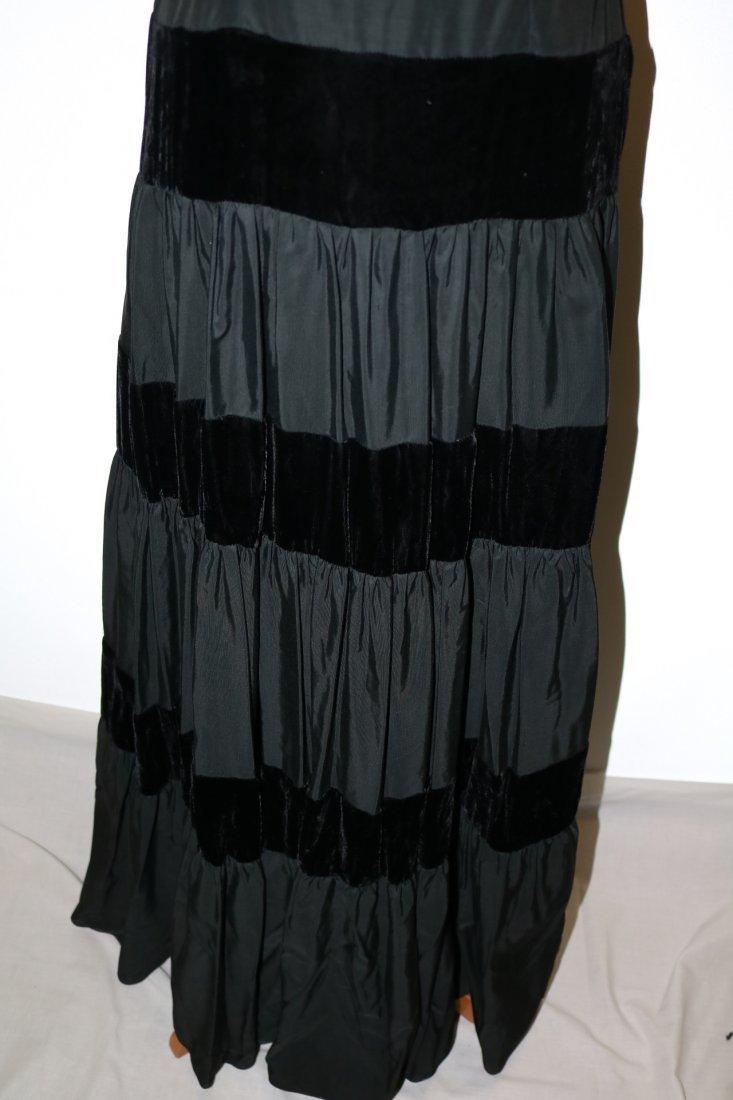 1940/50's Black Velvet & Taffata Gown - 4