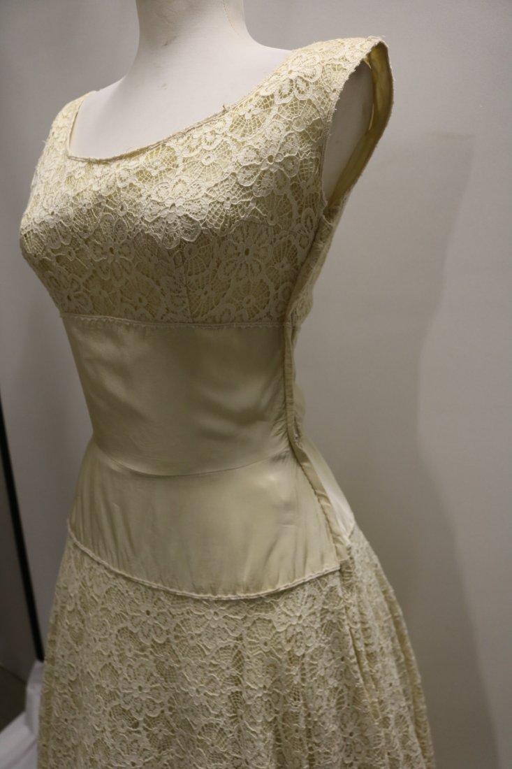 1940's Fit & Flare off White Lace & Taffeta Princess - 4