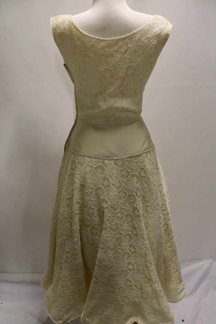 1940's Fit & Flare off White Lace & Taffeta Princess - 6
