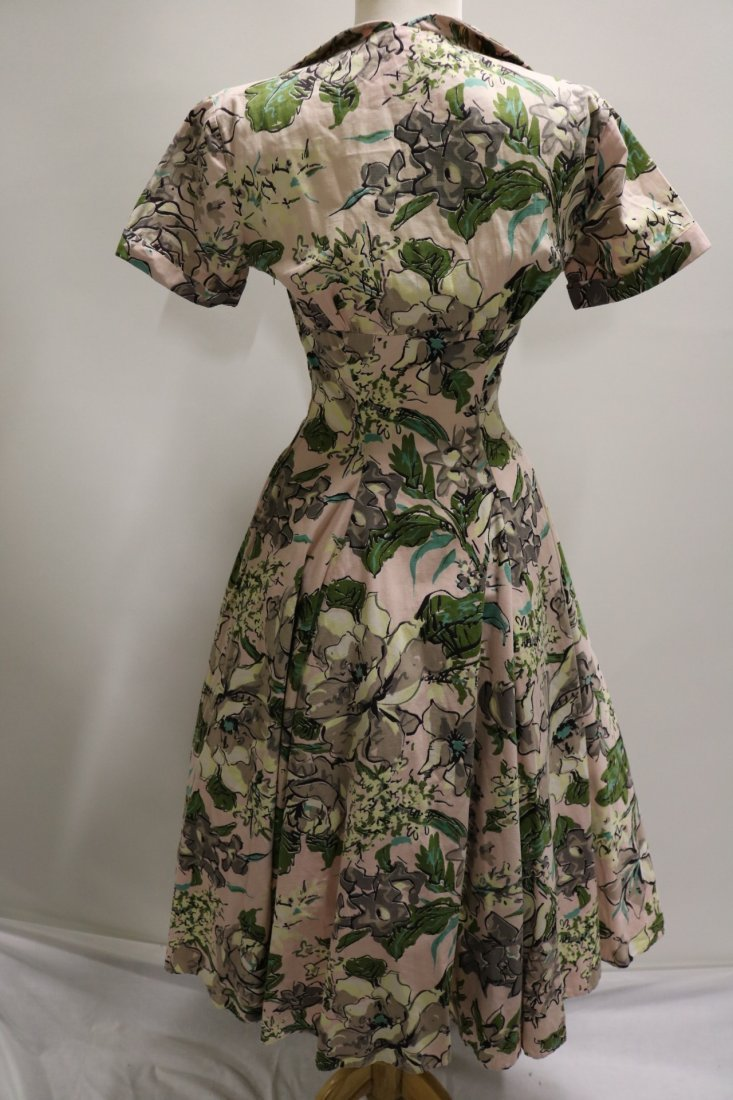 late 1940's Floral Cotton Fit to Flare Shirt Waist - 4