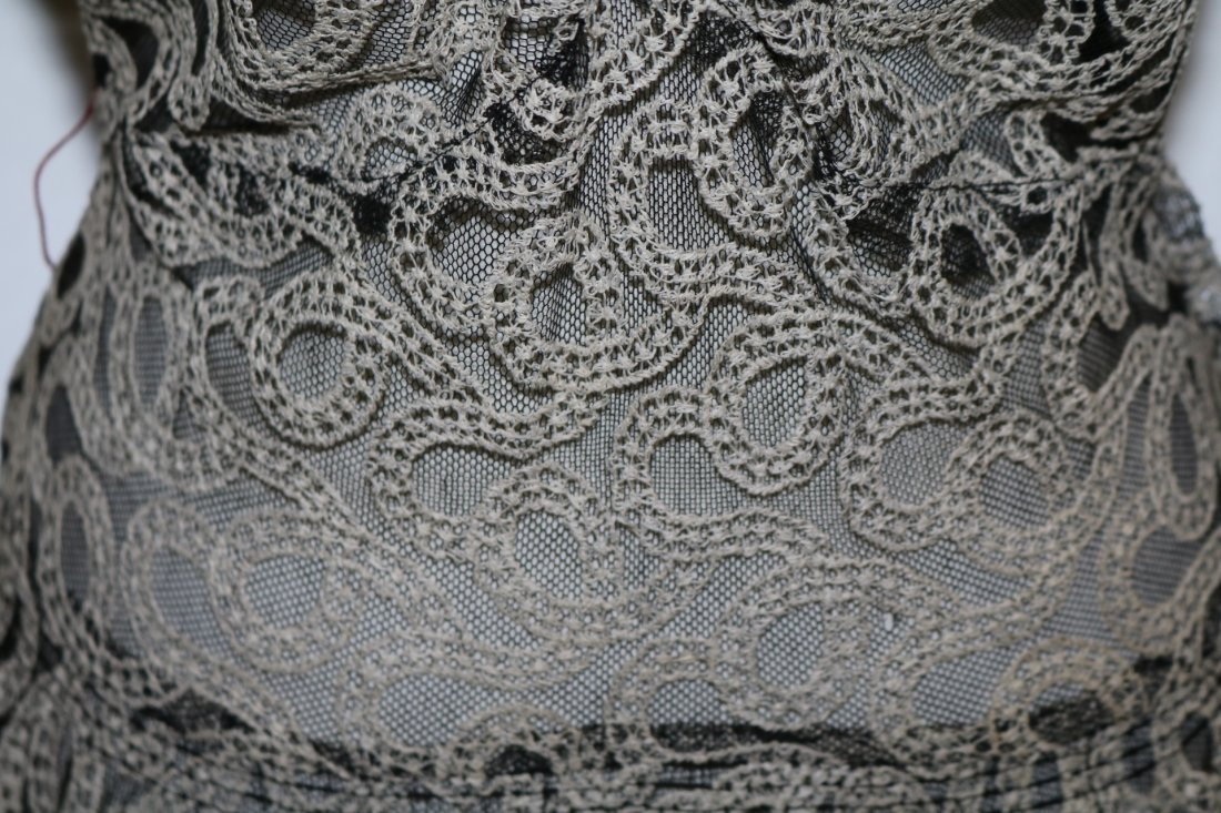Vintage 1930s black tambour lace evening dress with an - 4