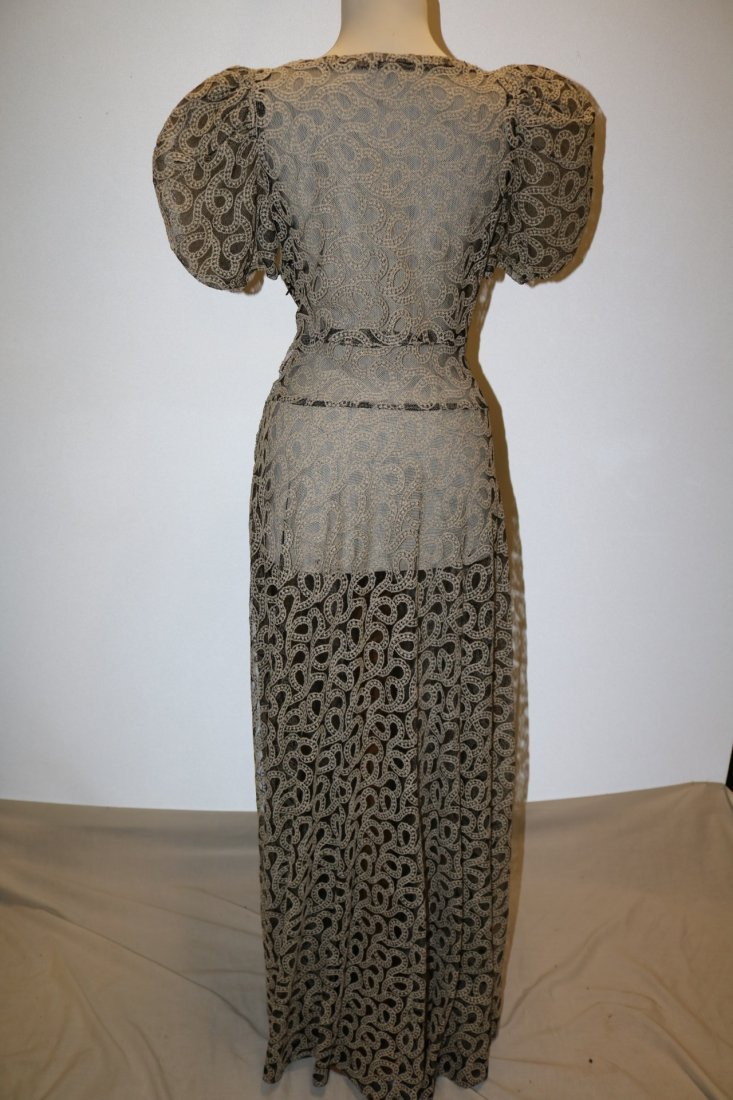 Vintage 1930s black tambour lace evening dress with an - 5
