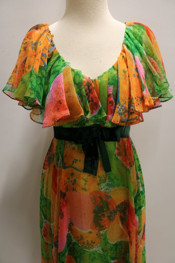Vintage 1970s orange, green and pink large scale floral - 2