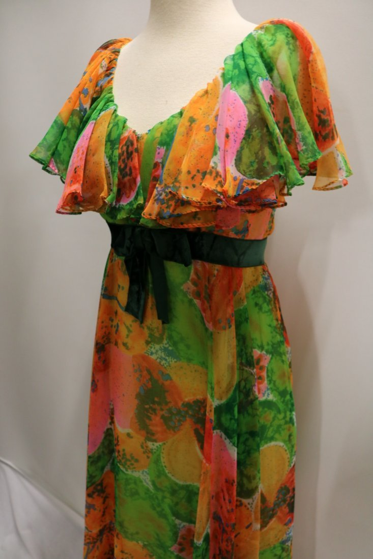 Vintage 1970s orange, green and pink large scale floral - 3
