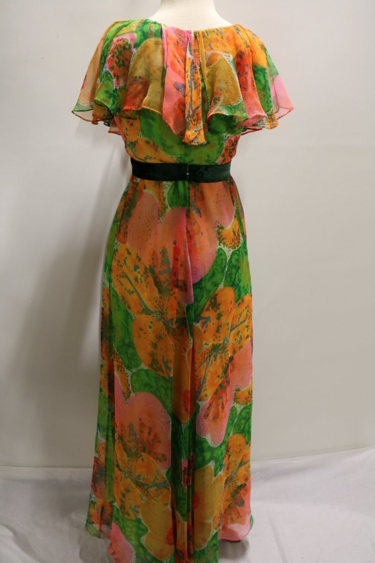 Vintage 1970s orange, green and pink large scale floral - 4