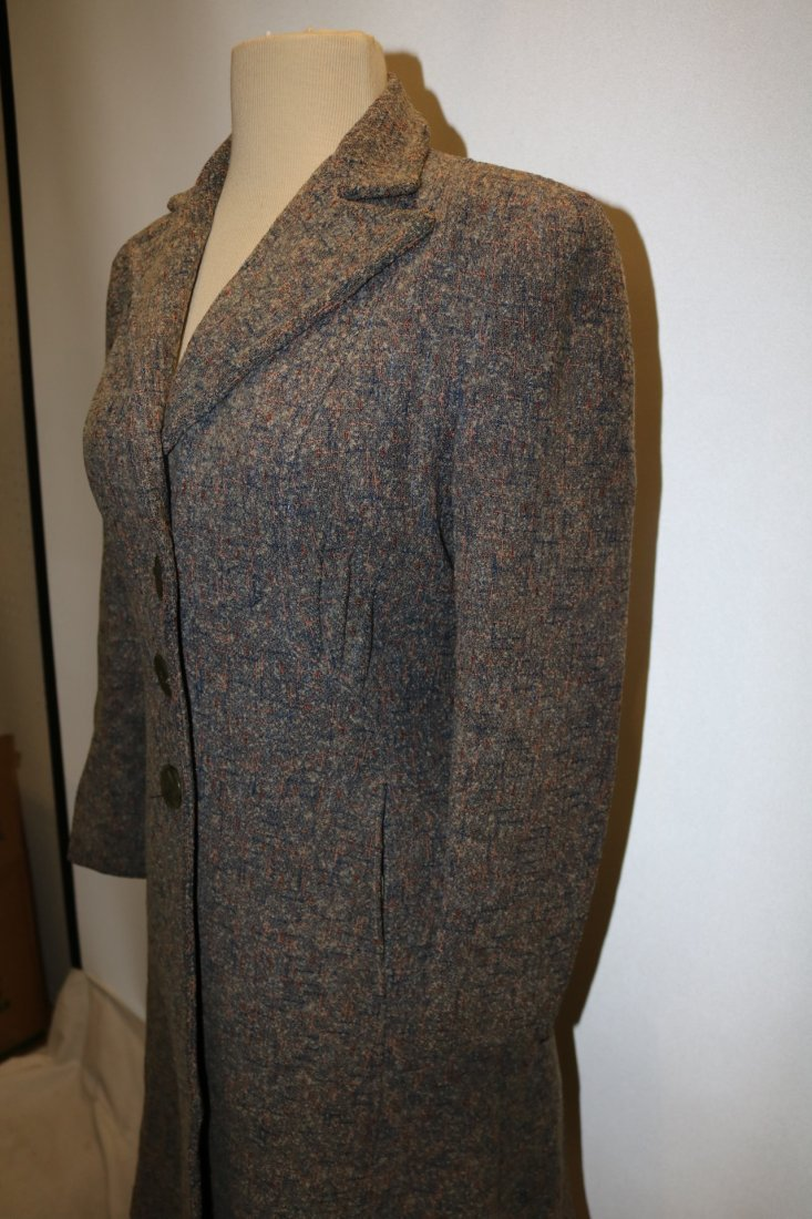 Vintage 1950's Woman's Coat with gray, pink, blue fleck - 3