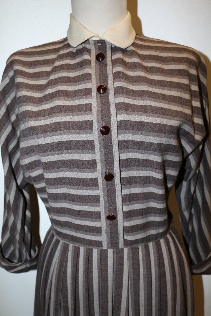 1940's Shirt Waist Dress with long Domain Sleeves - 2