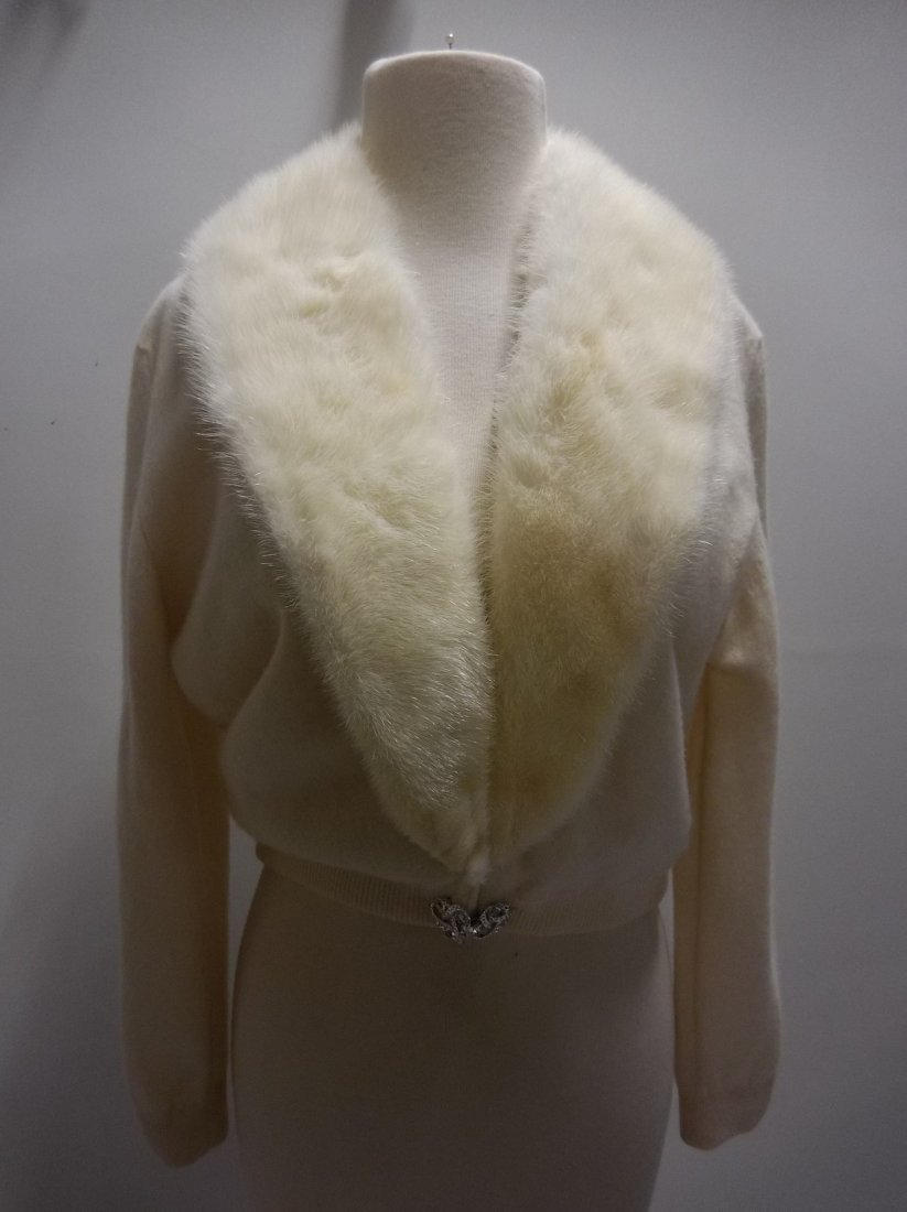 Ladies Vintage 1950's 100% Cashmere Sweater with Fur