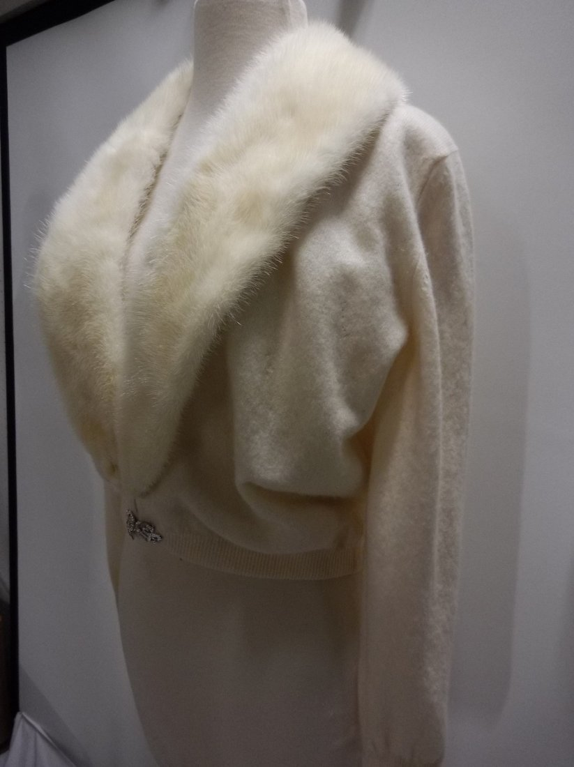 Ladies Vintage 1950's 100% Cashmere Sweater with Fur - 3