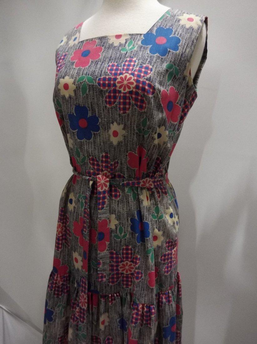 Ladies Vintage 1960's Colorful Daisy Print Cotton Dress - 3