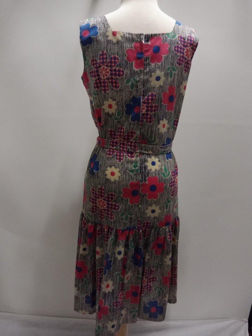 Ladies Vintage 1960's Colorful Daisy Print Cotton Dress - 4