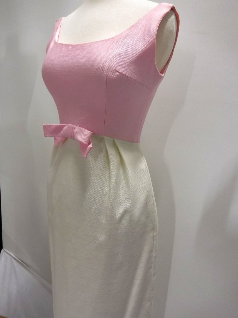 Pink & White 1960's Linen Classic Gown - 3