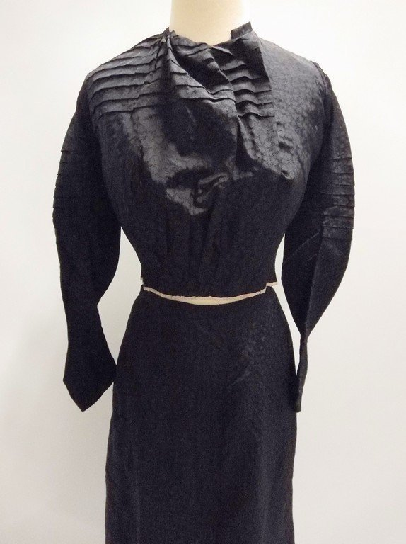 Victorian 1900s 1910s black silk bodice and skirt