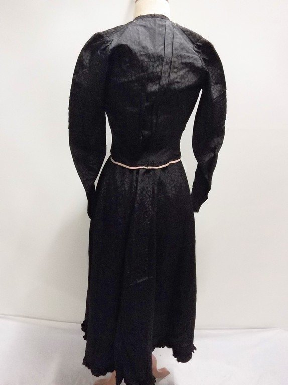 Victorian 1900s 1910s black silk bodice and skirt - 4