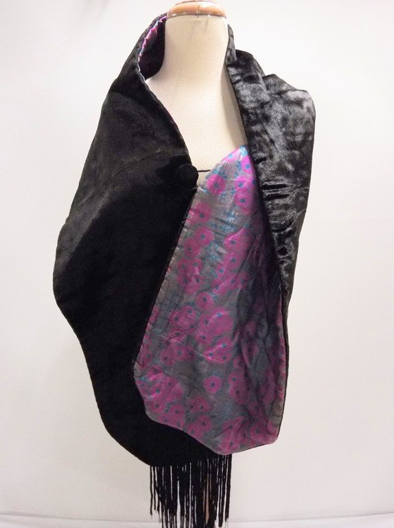 antique teens Victorian black velvet stole with silk - 2