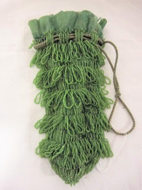 1920's Bright Green Beaded Purse in good condition
