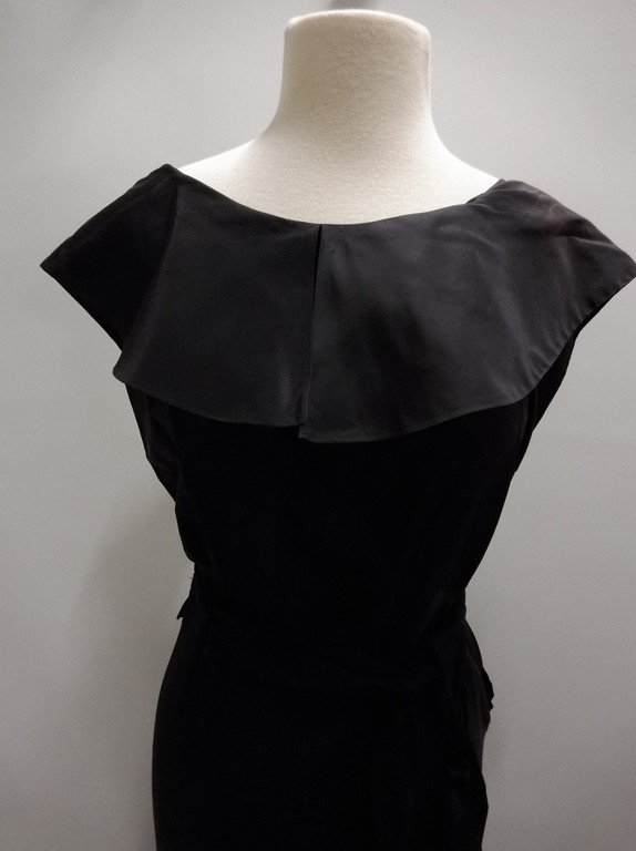 1930's Black Satin Mermaid Dress - 2