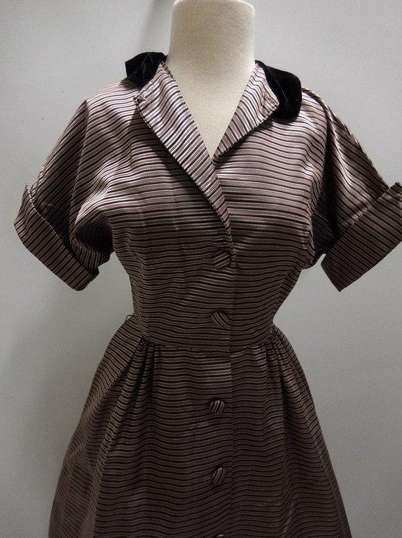 1940's Pink Stripe Silk Taffeta with Velvet Shirt Waist - 2