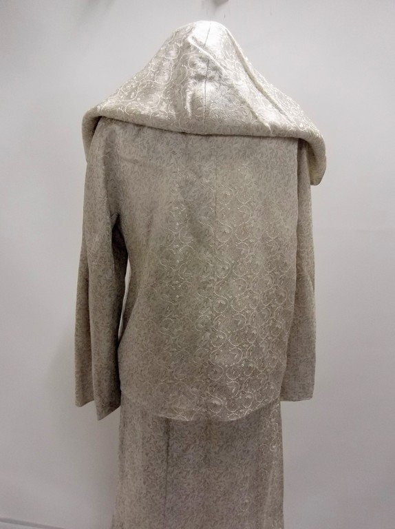 1950/60's 2 piece Silver Silk Brocade Dress & Hooded - 4