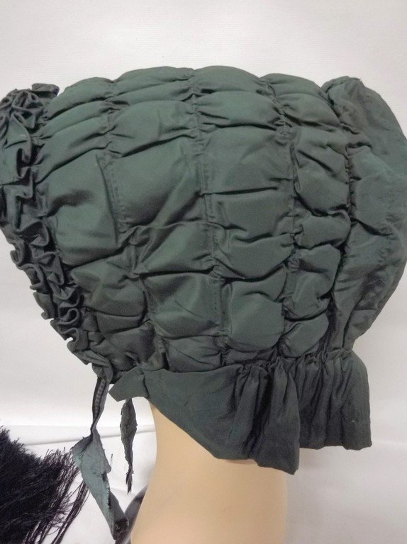 Early Civil War Era Quilted Bonnet in Green - 3