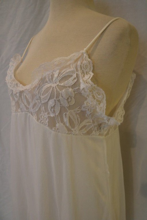 Vintage 1970's White Nylon Peignoir set with Sheer - 4