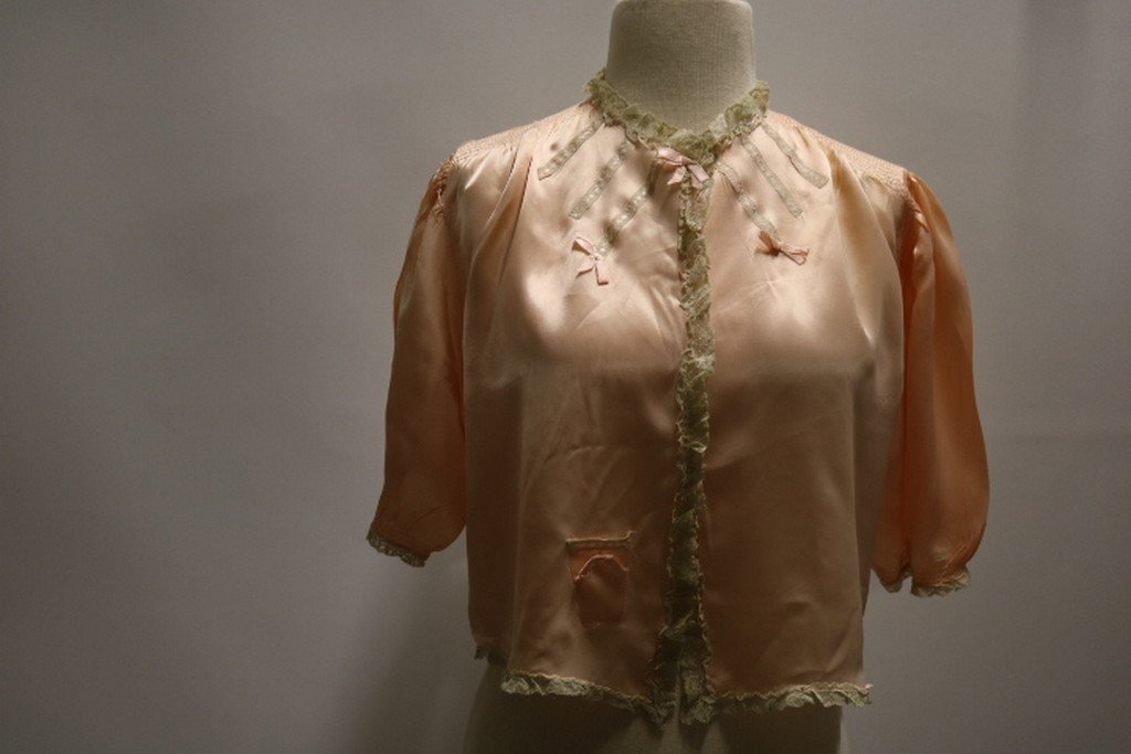 Vintage 1930's Peach Rayon and Lace Bed Jacket by
