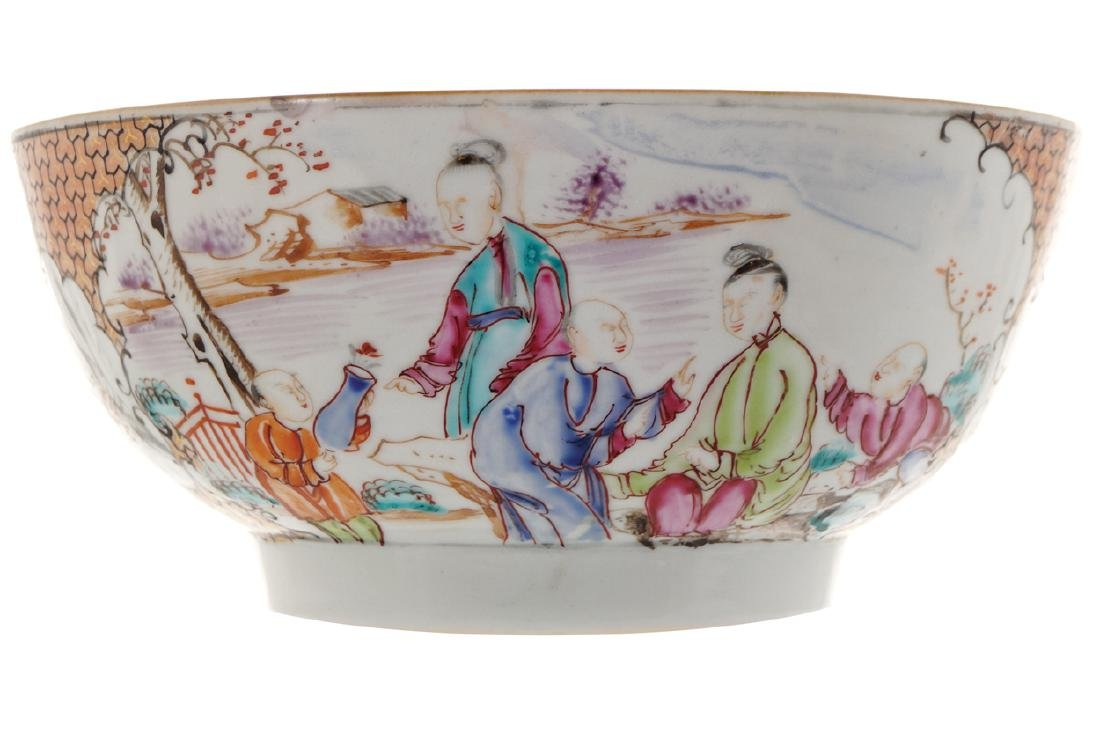 EIGHTEENTH-CENTURY CHINESE FAMILLE ROSE BOWL