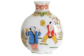 REPUBLICAN PERIOD CHINESE POLYCHROME GLASS SNUFF BOTTLE