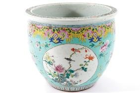 CHINESE QING PERIOD FAMILLE ROSE JARDINIERE