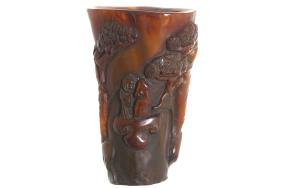 CHINESE FIGURE DECORATED CARVED HORN