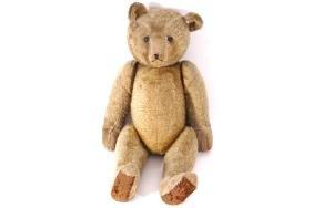 EARLY TWENTIETH-CENTURY VINTAGE TEDDY BEAR