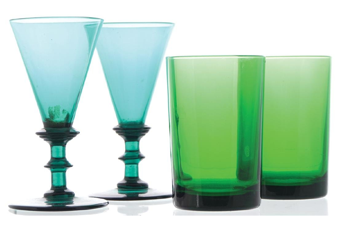 TWO GREEN WINE GLASSES AND TWO GREEN GLASS TUMBLERS